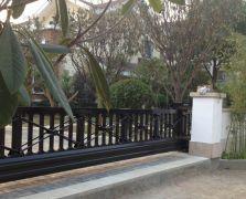 全国案例|郑州别墅区非标1.3米高带交叉杆悬浮门